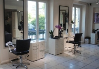 What Are The Special Services You Can Avail From The Top Salons Toronto Ontario?